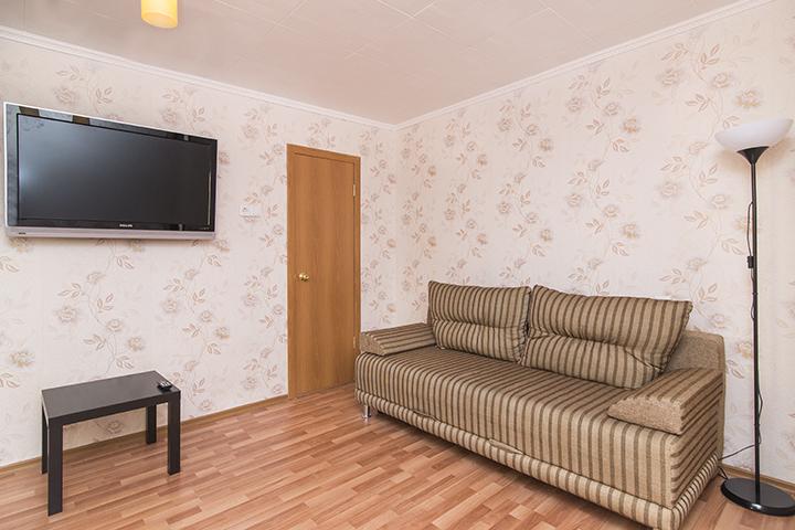 2к квартира у небоскреба «Высоцкий»